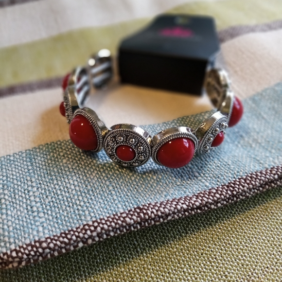 4/$15 Paparazzi Red stone bracelet/